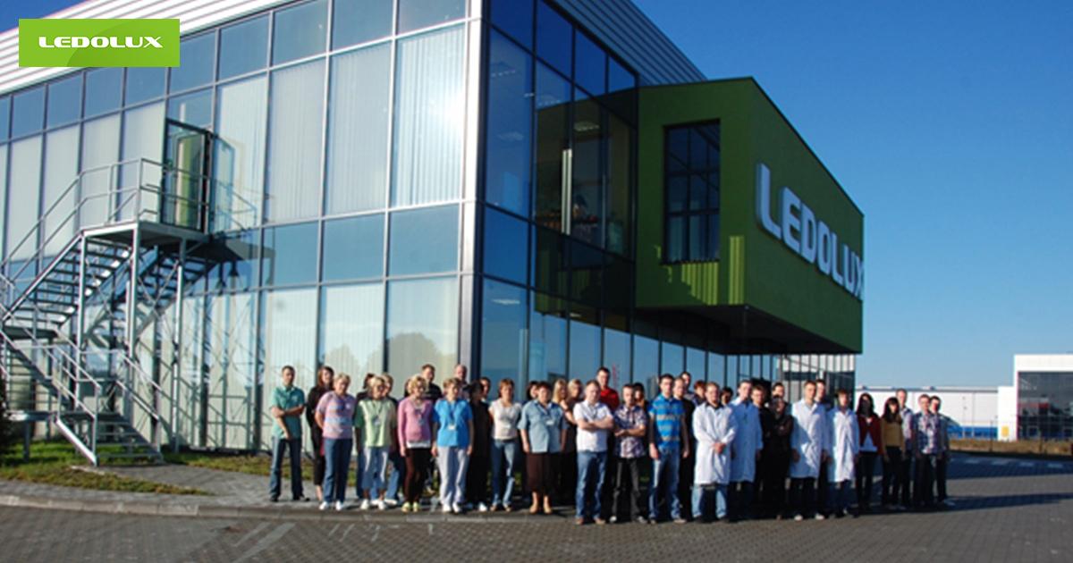 Pracownicy i siedziba firmy LEDOLUX, produenta oświetlenia przemysłowego LED